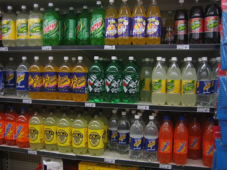Soft_drink_shelf_Wikimedia.JPG
