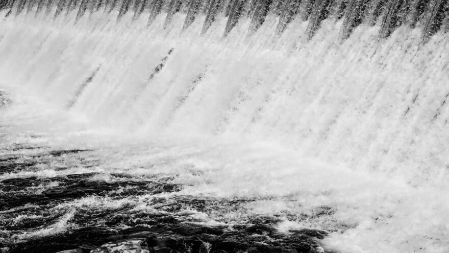 water_falling.jpg