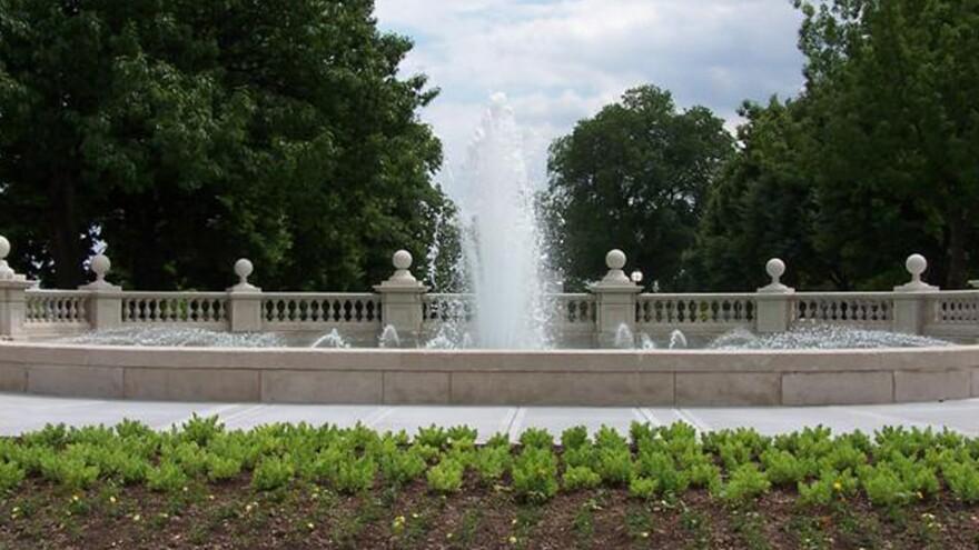 The-Womens-Leadership-fountain_Kansas-City.jpg