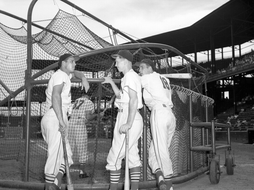 red_schoendienst_and_other_players_at_sportsman_s_park.jpg