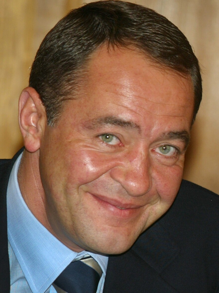Mikhail Lesin, a former Russian press minister and adviser to President Vladimir Putin, was found dead in November. A new report contradicts earlier reports in Russian media that he died from a heart attack.