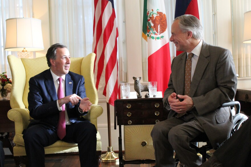 071015_abbott_and_mexican_sec..jpg