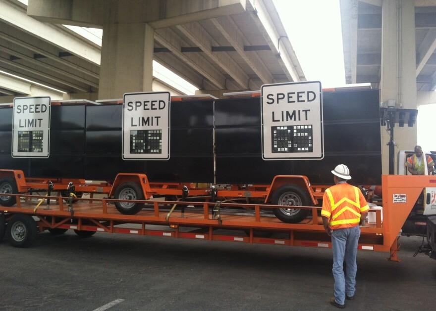 140619-Speed-Limit-Signs.jpg