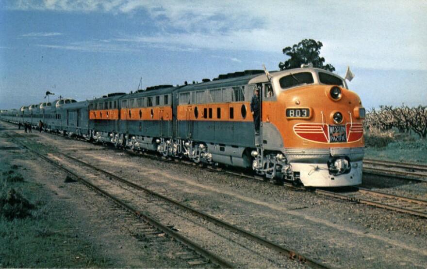 California_Zephyr_pre_first_run_1949.JPG
