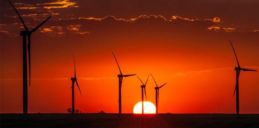 Wind_turbines_Flat-Ridge-Westar_0.jpg