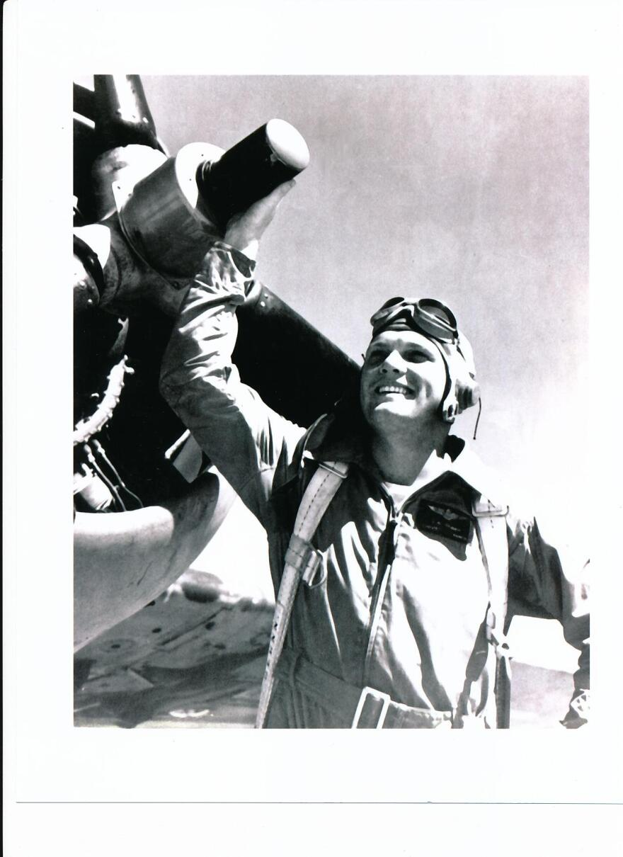 photo of John Glenn as fighter pilot