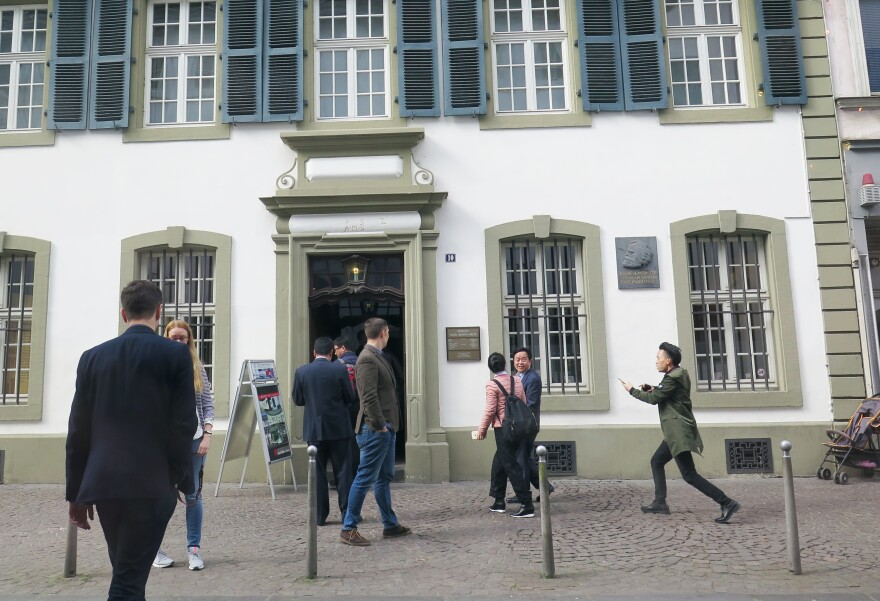 More than 40,000 tourists flock to Karl Marx's birth house every year, a quarter of them from China.