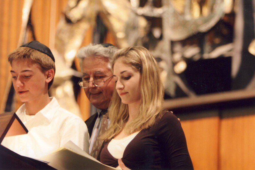 Oskar Jakob in 2005, observing Yom Hashoa (Holocaust Remembrance Day) with his grandchildren Mark and Sarah.  4/15/19