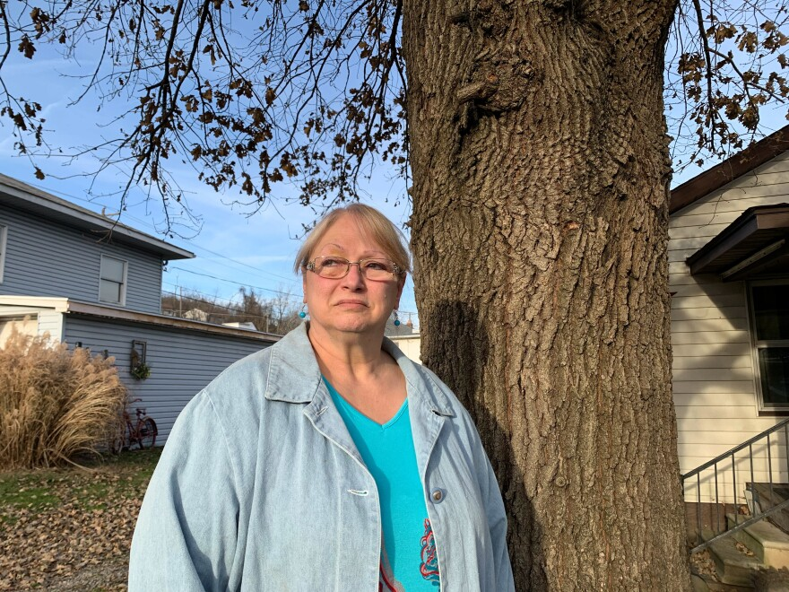 "Cindy Moore's daughter Kimberly Moore Angus died of a drug overdose at age 29. In the obituary for her daughter, Moore wrote, ""Her mother and father found her on the floor dead from an overdose of drugs. They ask that her death would not be for nothing. If you are using drugs, her parents plead with you to stop and get help."""