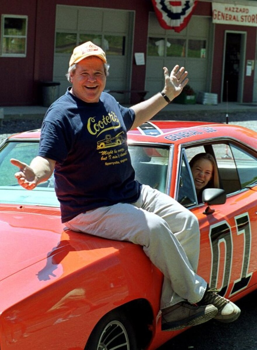Actor and congressman Ben Jones played Cooter the mechanic on <em>The Dukes of Hazzard</em> before entering Congress in 1988.