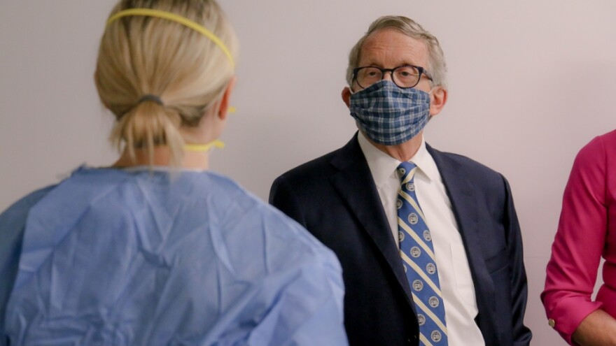 Gov. Mike DeWine wears face mask