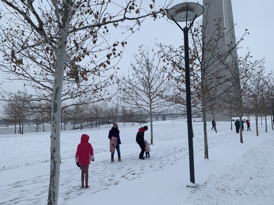 A family headed home to New Mexico on a road trip paused in St. Louis for a snowy visit to the Gateway Arch. [12/15/19]