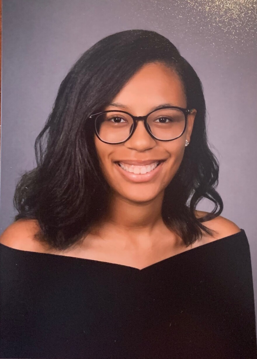 A senior picture of N'dia Webb