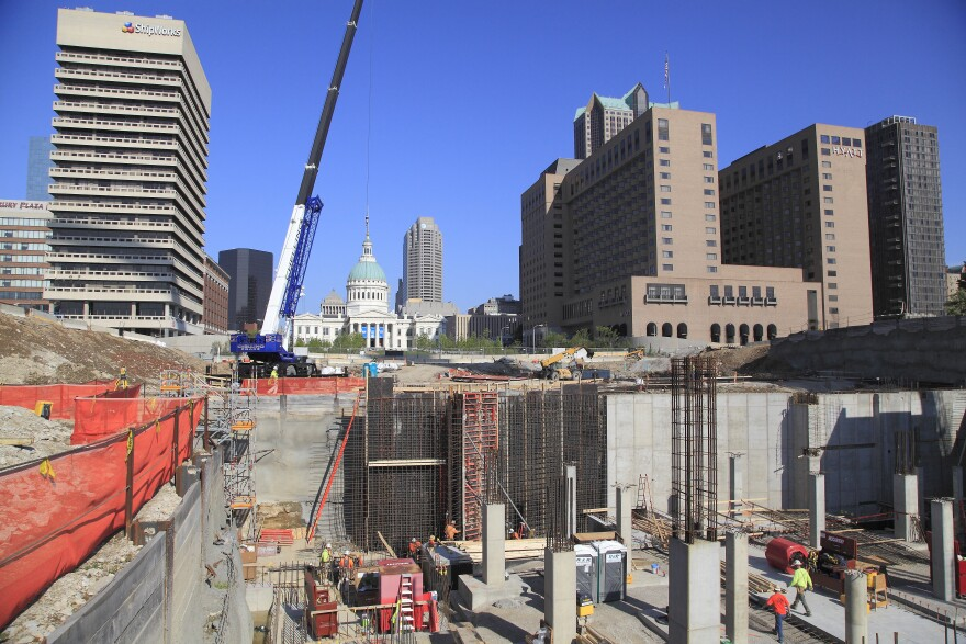 Gateway Arch Visitor Center and Museum construction.
