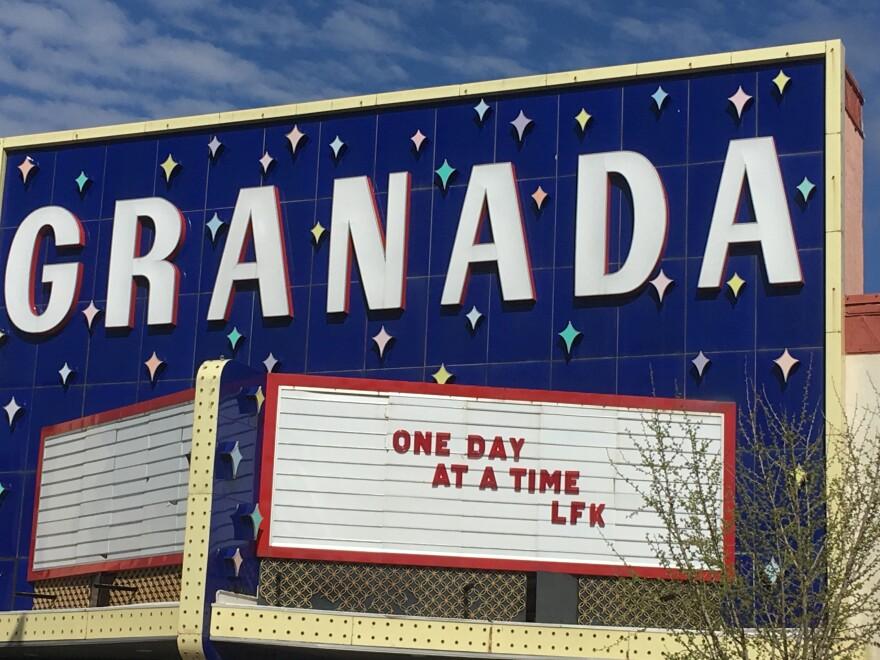 Sign At Granada.JPG