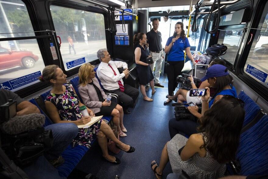 bus_tour.jpg