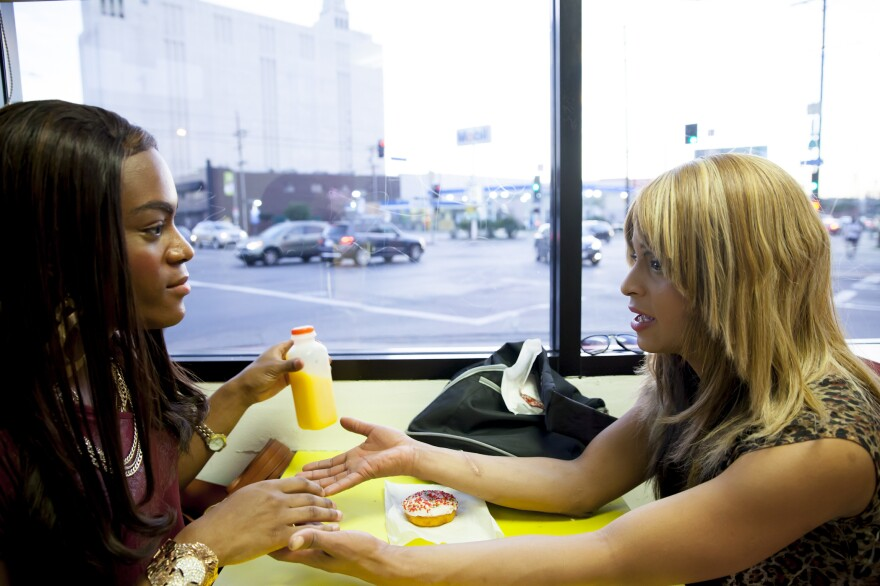 After reuniting in their favorite doughnut shop, Sin-Dee (Kitana Kiki Rodriguez, right) and her best friend Alexandra (Mya Taylor) set out to humiliate Sin-Dee's pimp boyfriend, Chester.