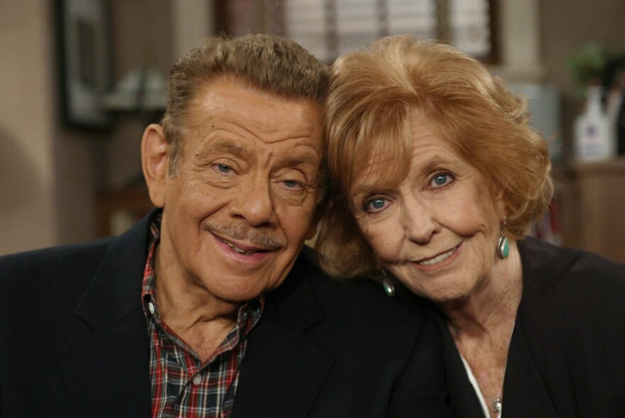 Jerry Stiller and Anne Meara pose on the set of <em>The King of Queens</em> in November 2003.
