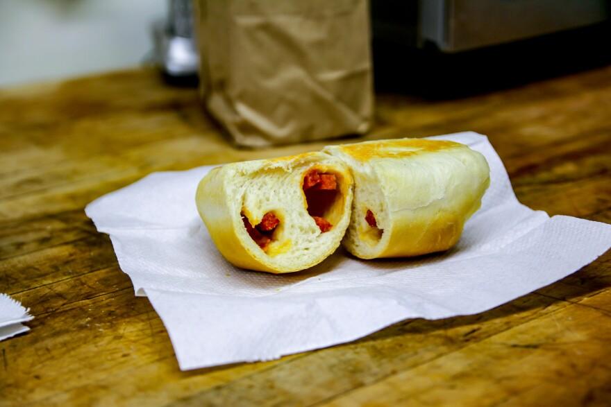 pepperoni_roll_retouch.jpg
