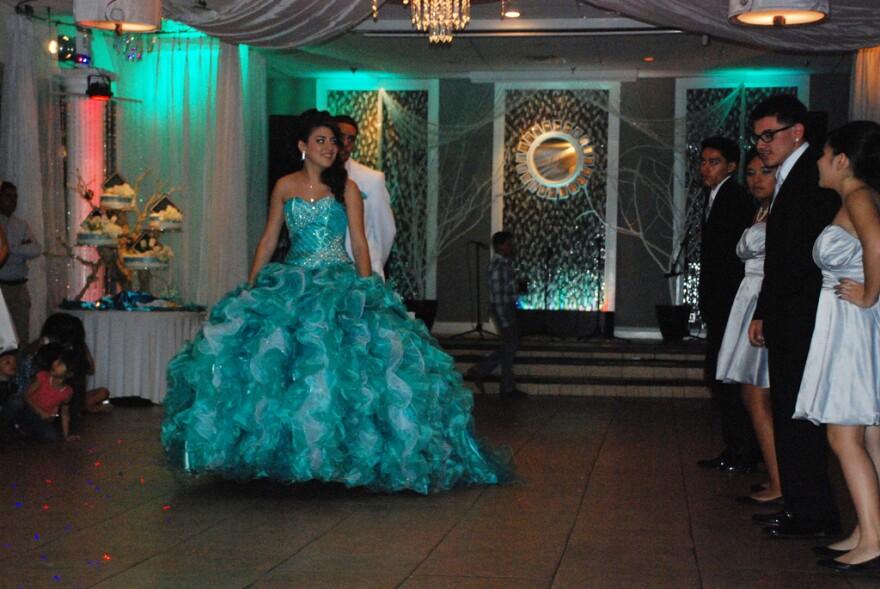 quinceanera_dancing.jpg