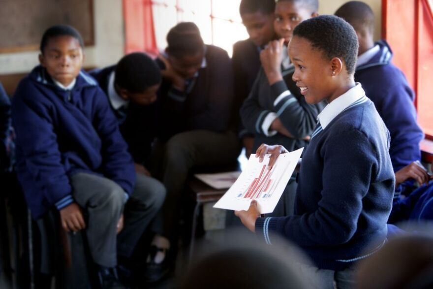 The bar chart tells all: That's how eighth-graders at Bakgatle Community Junior Secondary School in Botswana can compare the HIV infection rate of older men and of teenage boys.