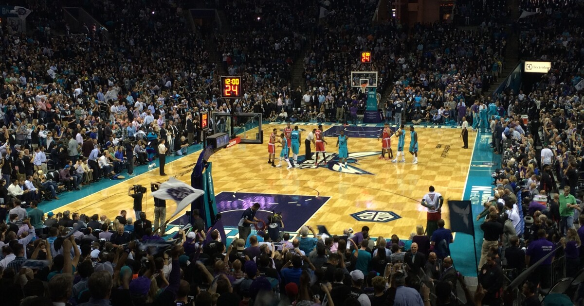 Hornets tipoff.
