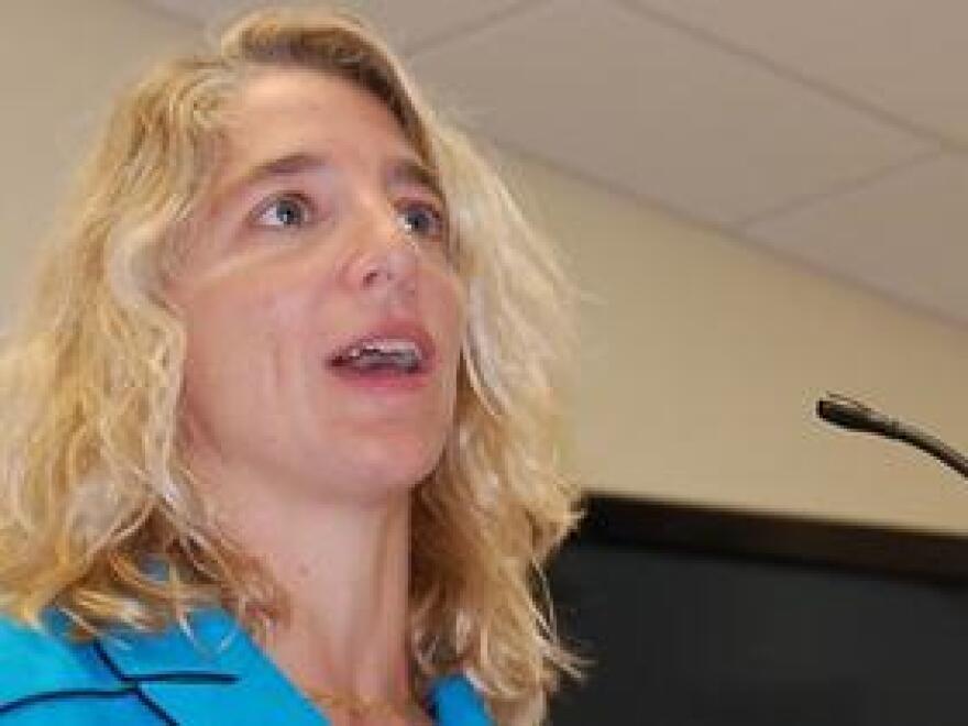 Dr, Diane Straub