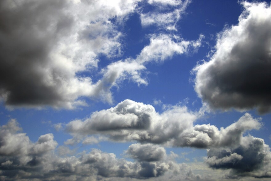 Using an instrument they've named the HOLODEC, for Holographic Detector for Clouds, scientists can now see in fine detail the way air and water droplets mix at a cloud's wispiest edge.