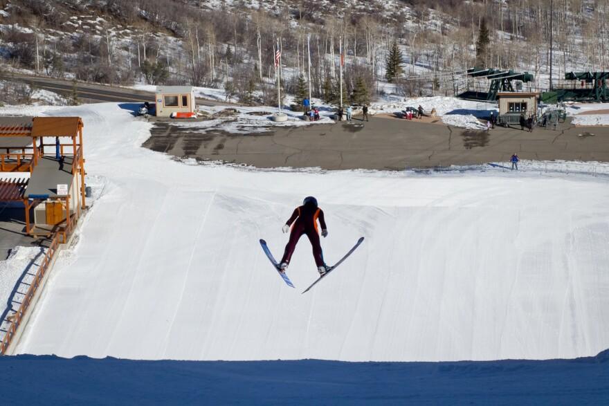 Women_SkiJumping-06.jpg