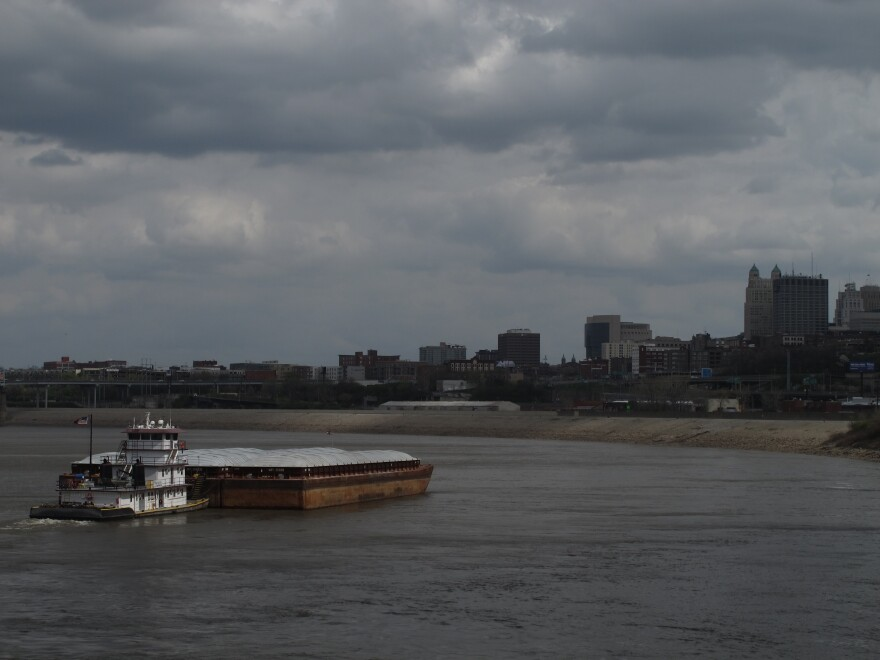 empty_barge_on_the_river_0.jpg