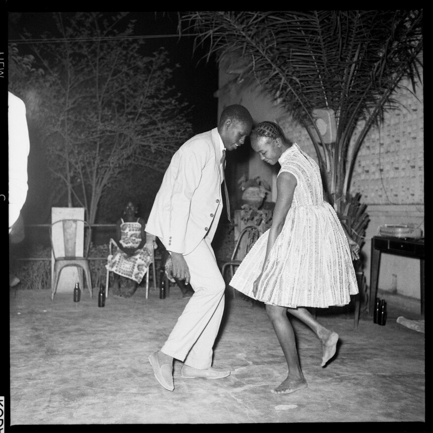 <em>Nui de Noel (Happy Club)</em>, 1963 by Malick Sidibe