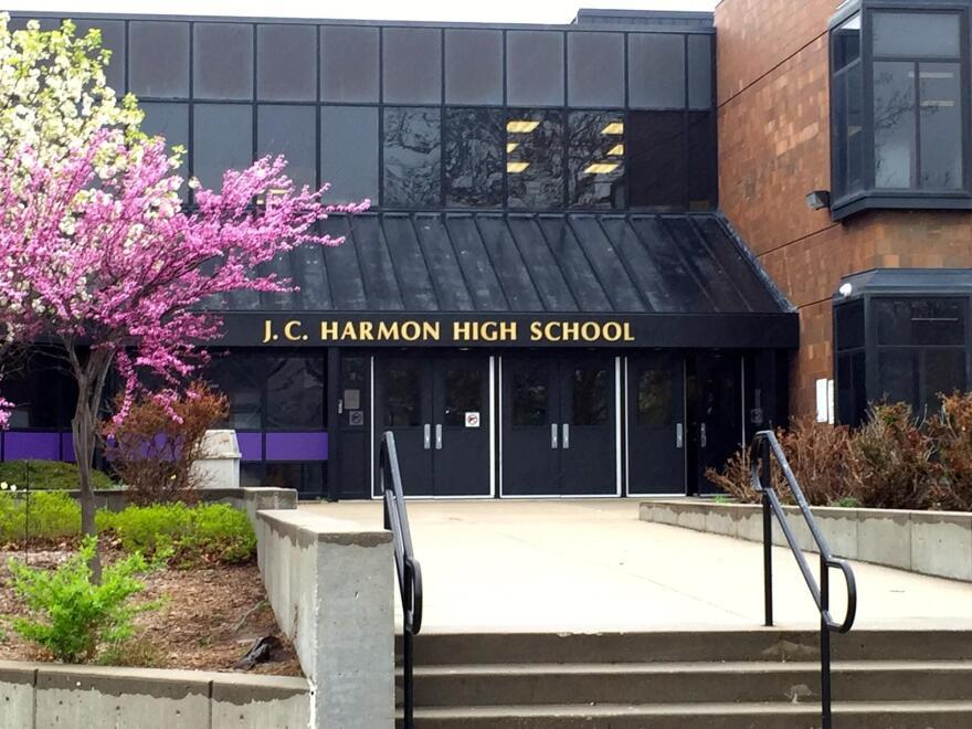 102417_cj_harmon_high_school_by_sam_zeff.jpg