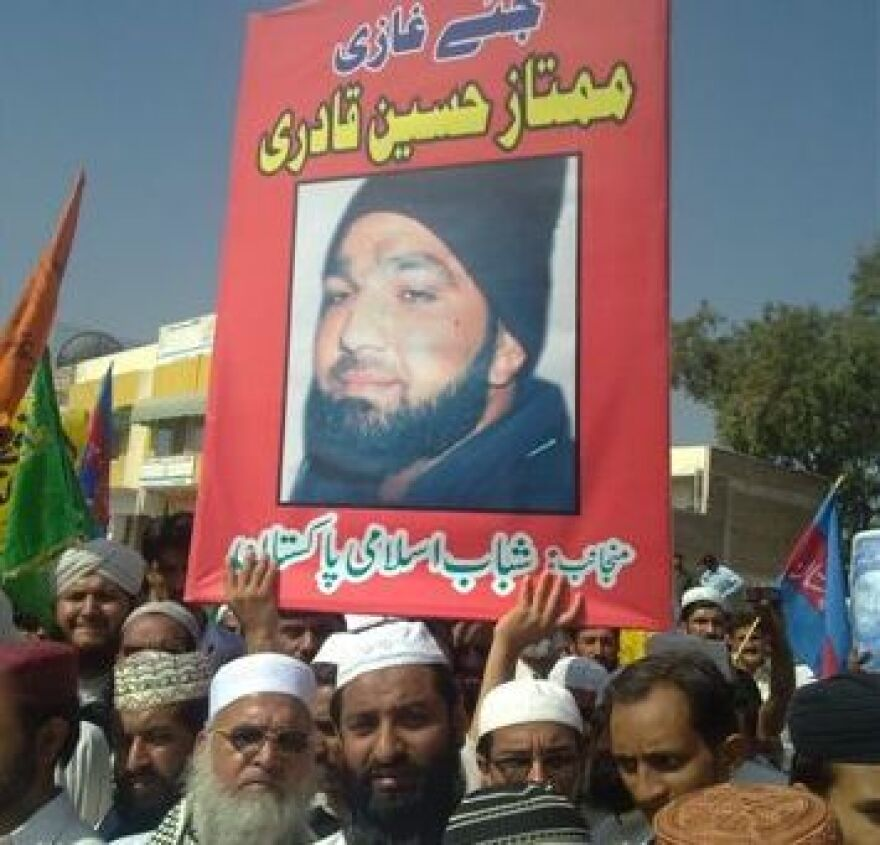 <p>Demonstrators outside the court where lawyers for Mumtaz Qadri, the confessed killer of the Punjab Governor Salman Taseer, petitioned the court to hear an appeal to overturn the death sentence against Qadri handed down by an Anti-Terror Court earlier this month. </p>