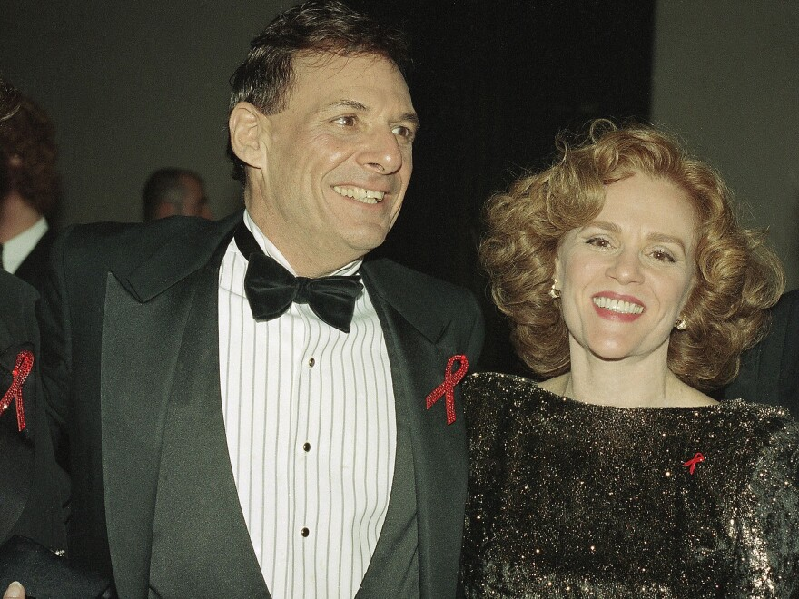 Actors Ron Leibman and Madeline Kahn are shown at the Tony Awards in New York, June 6, 1993.