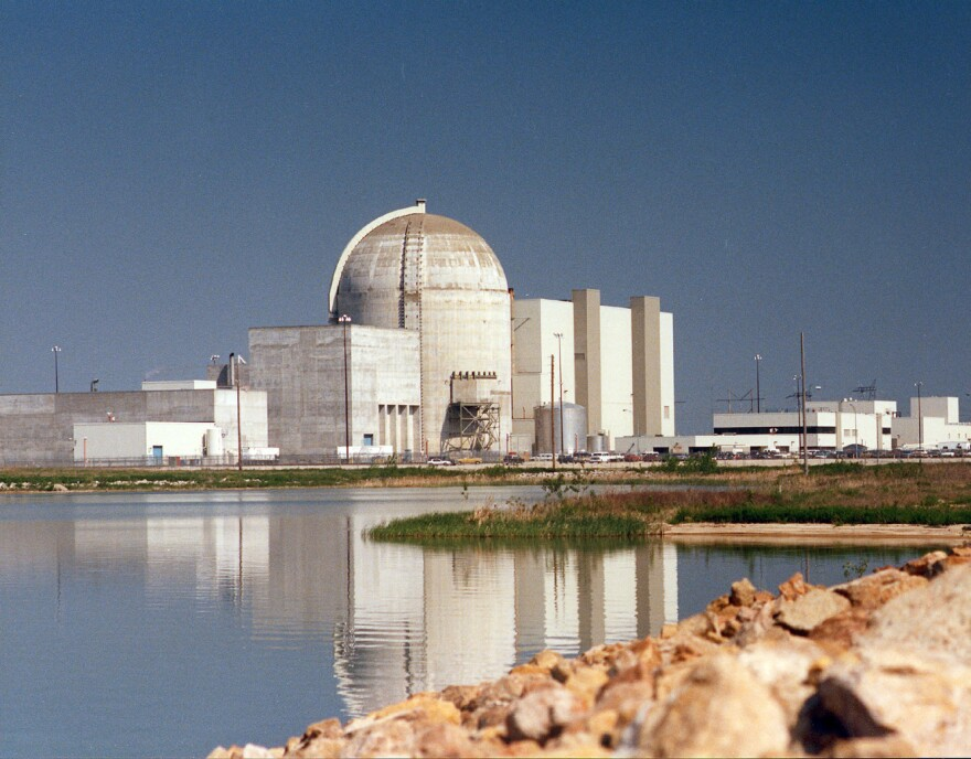 Wolf_Creek_Nuclear_Plant.jpg