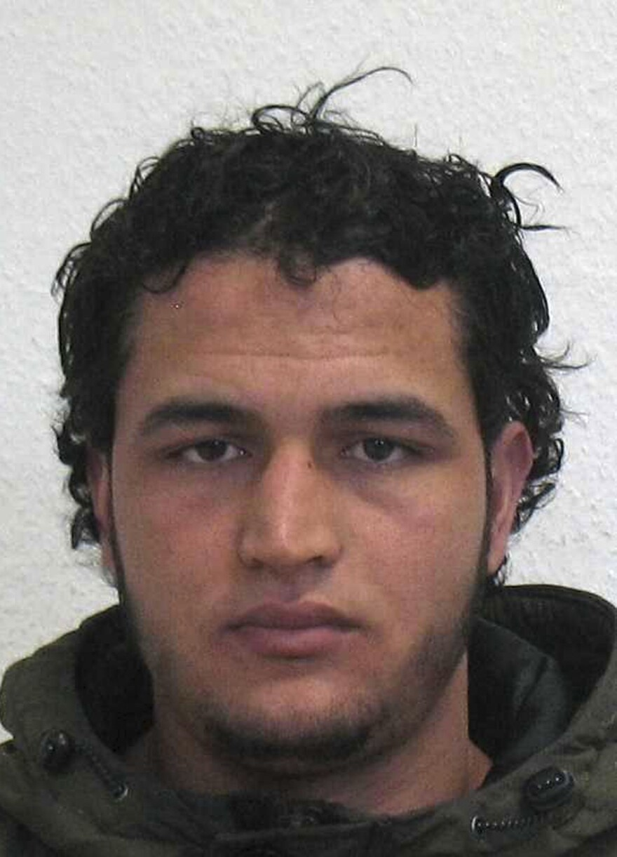 The wanted photo issued by German federal police on Wednesday shows 24-year-old Tunisian Anis Amri who is suspected of being involved in the fatal attack on the Christmas market in Berlin on Monday.