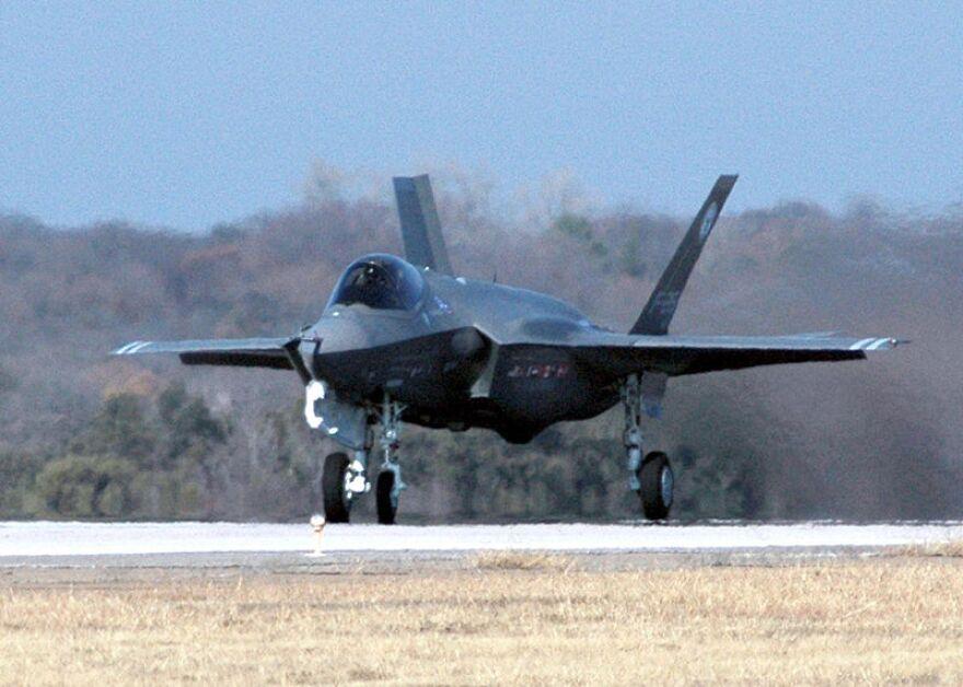 FighterJetMilitaryF-35_Lightning.jpg