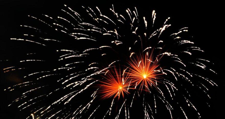 122018_fireworks_jdmoar_flickr-1024x542__1_.jpg