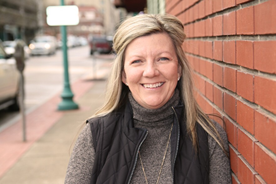 This is a picture of Kelly Griffith on Capitol Street, Charleston, WV.