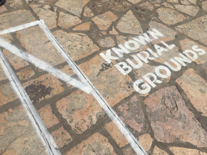 The-Alamo-Burial-grounds-PALACIOS-101718.JPG