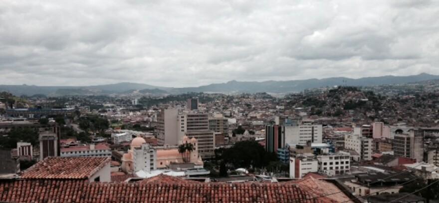 Rooftop_view_of_Tegusigalpa.JPG