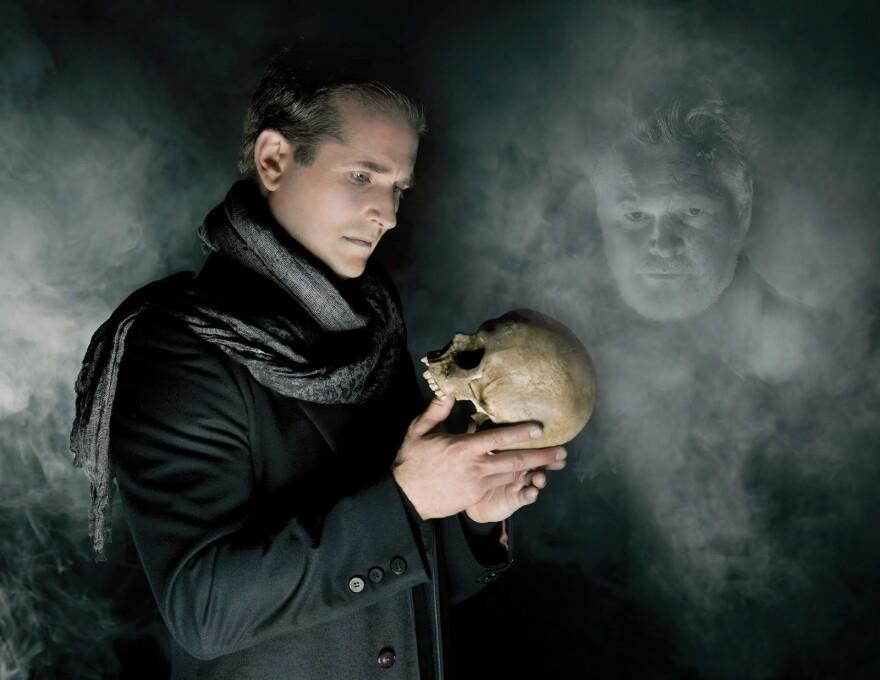 Theatre-Hamlet_0.jpg