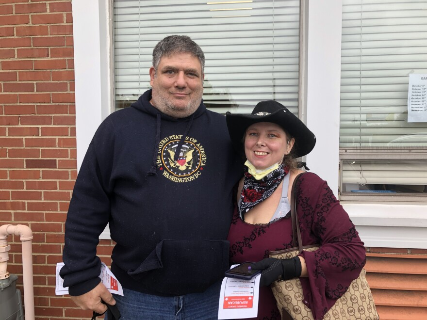 photos of voters in Trumbull County