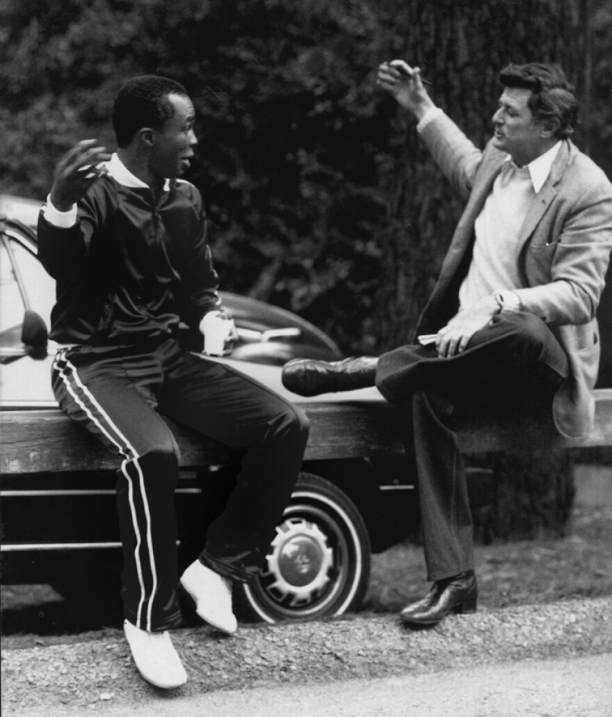 """Sportswriter Frank Deford talks with Sugar Ray Leonard in 1981. """"I was so lucky,"""" Deford says. """"The chance that you got in those days to get close to athletes is so much more than the writers get today."""""""