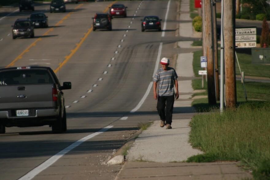 100720_PaulSableman_pedestrianwalking.jpg