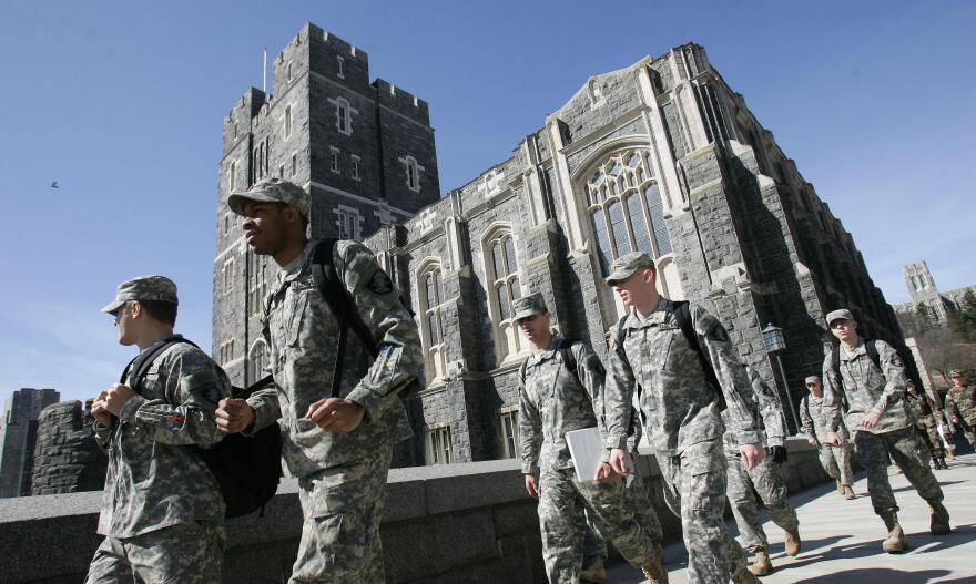 US Army cadets make their way through campus at the United States Military Academy in West Point, NY, in 2007. This week, over 70 cadets were accused of cheating on an exam—the worst academic scandal since 1976, instructors say.
