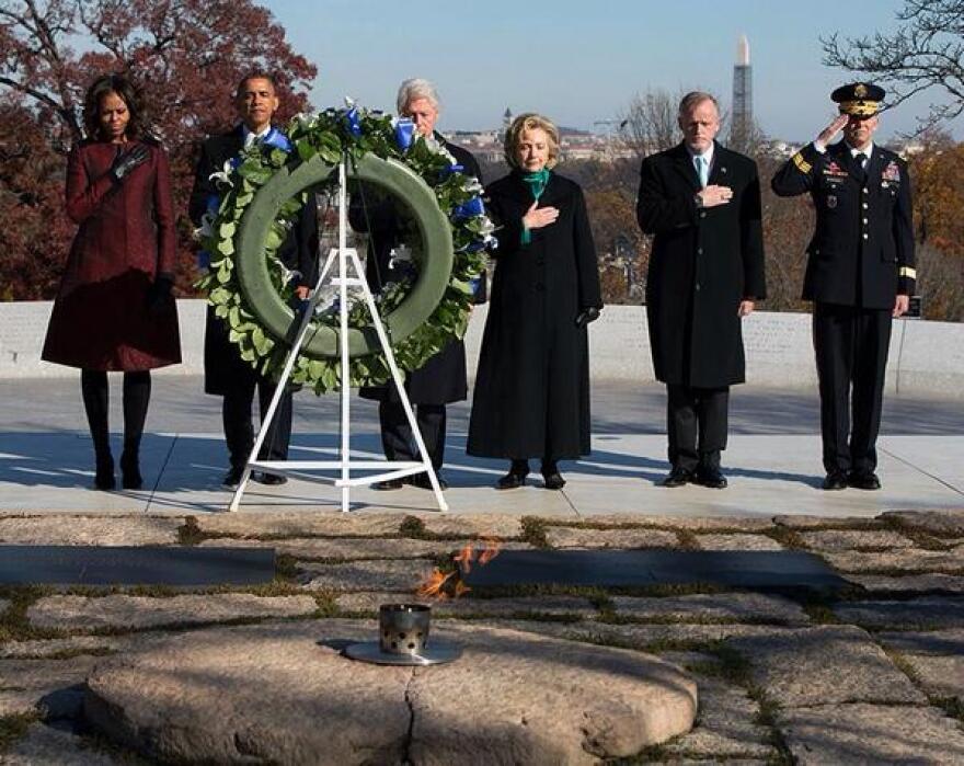 obama_JFK_eternal_flame.jpg