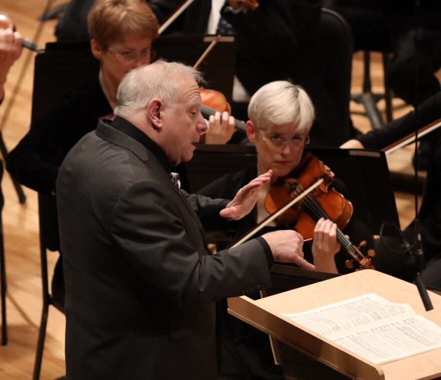 Leonard Slatkin conducts the St. Louis Symphony Orchestra in April 2019.