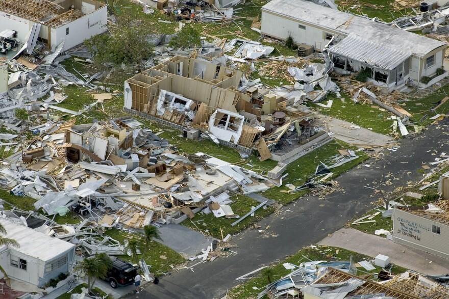 hurricane_charley_FEMA_photo.jpg
