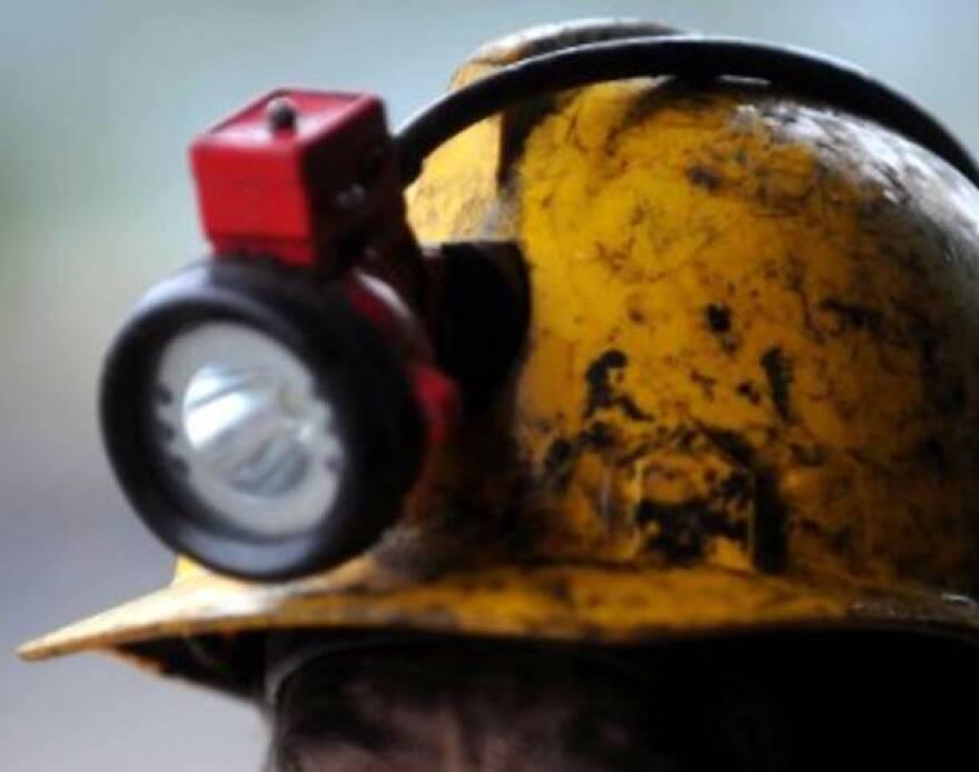 Coal_mining_helmet.jpg